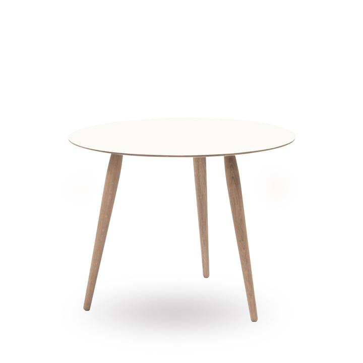 Play Round Laminate Beistelltisch Ø 60 cm von bruunmunch in Crystal White / Eiche geseift