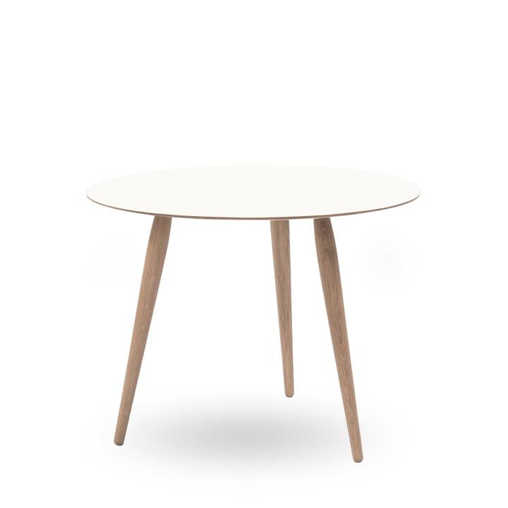 Play Round Laminate Beistelltisch Ø 75 cm von bruunmunch in Crystal White / Eiche geseift