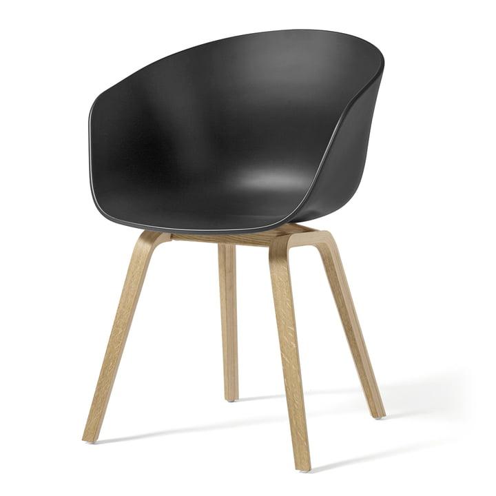 About A Chair AAC 22 von Hay in Eiche geseift / soft black