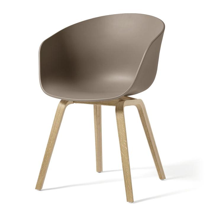 About A Chair AAC 22 von Hay in Eiche geseift / khaki