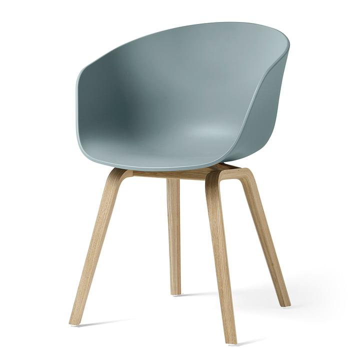 About A Chair AAC 22 von Hay in Eiche matt lackiert / dusty blue