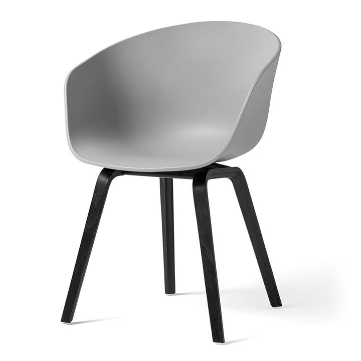 About A Chair AAC 22 von Hay in Eiche schwarz gebeizt / concrete grey