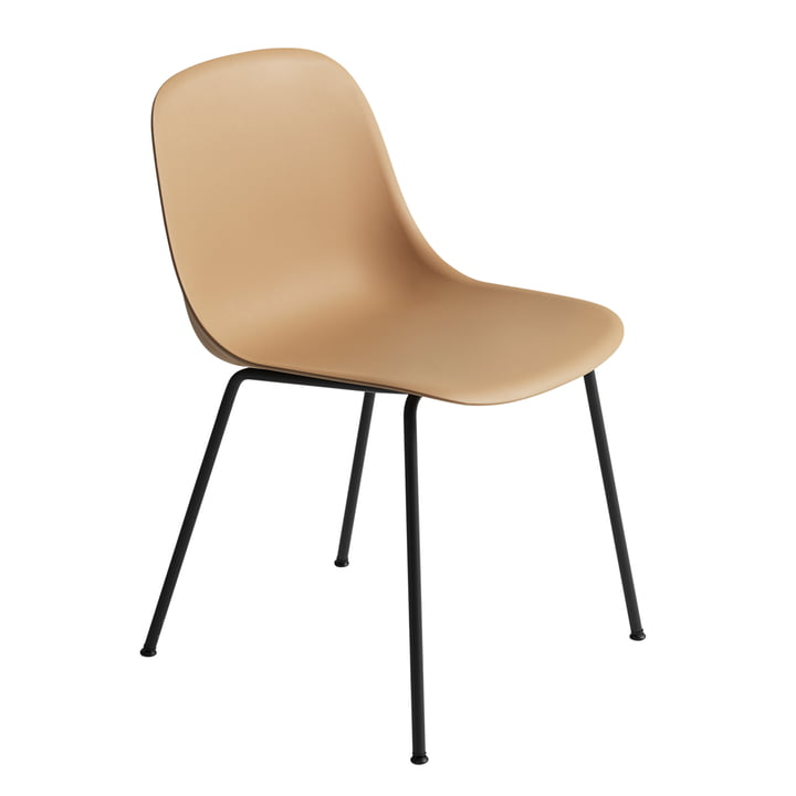 Fiber Side Chair Tube Base von Muuto in schwarz / ocker