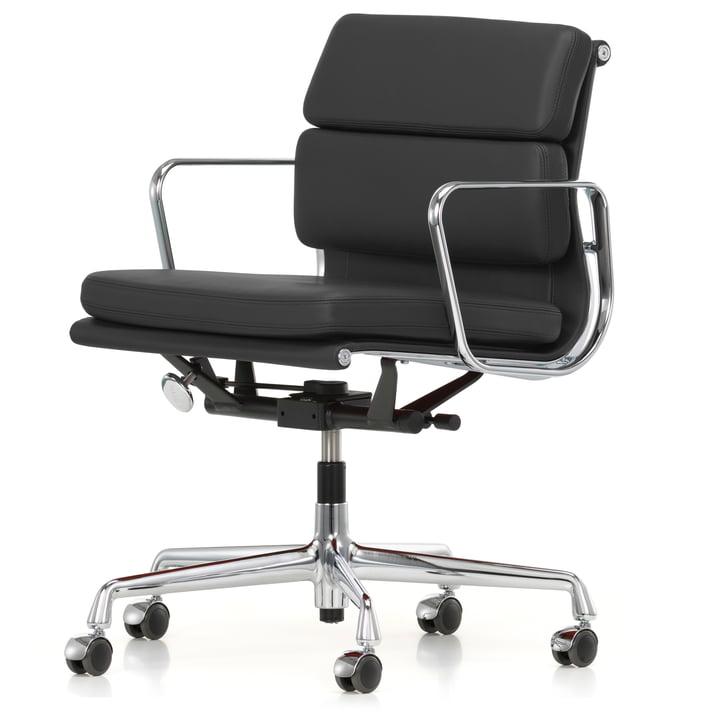 Soft Pad Chair EA 217 Chrom von Vitra drehbar mit Armlehnen aus Leder Premium in Asphalt (Rollen für Teppichböden)