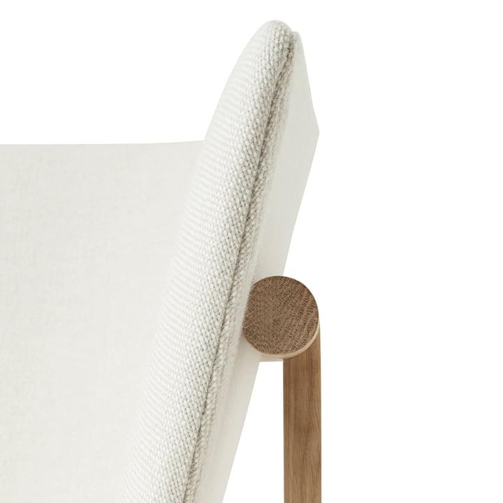 Die Armlehne des Menu Tailor Lounge Sofa