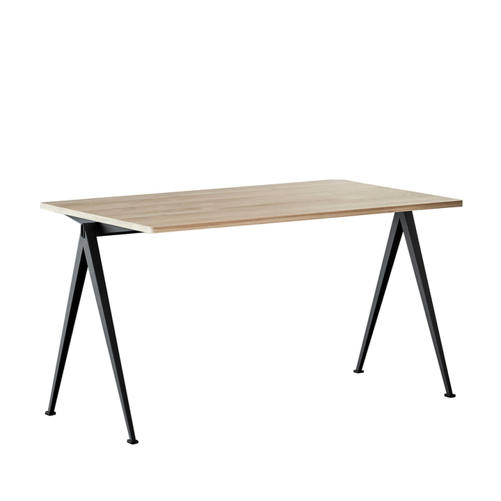 Pyramid Desk 140 x 75 cm von Hay in Schwarz / Eiche matt lackiert