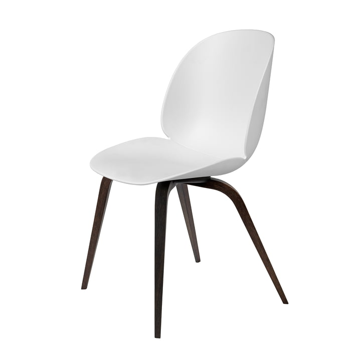 Beetle Dining Chair Wood Base von Gubi in schwarz gebeizt / Weiß
