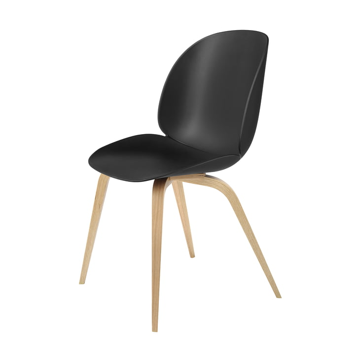 Beetle Dining Chair Wood Base von Gubi in Eiche / Schwarz