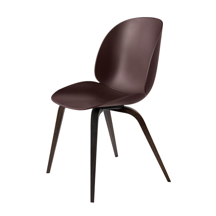 Beetle Dining Chair Wood Base von Gubi in Eiche geräuchert / Dark Pink