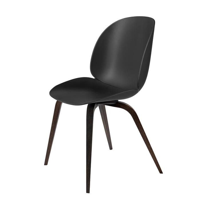Beetle Dining Chair Wood Base von Gubi in Eiche geräuchert / Schwarz