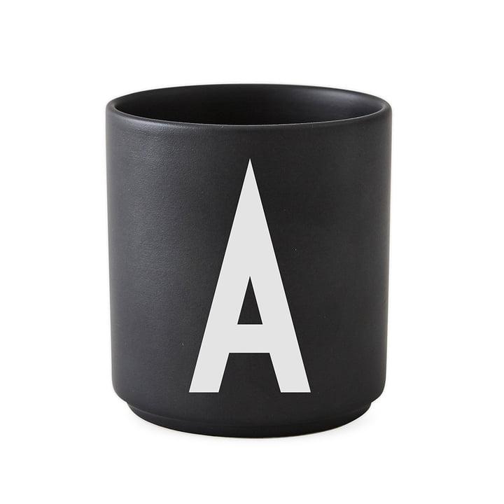 AJ Porzellan Becher A, von Design Letters in Schwarz