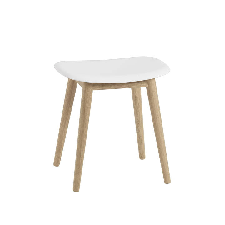Fiber Hocker Wood Base von Muuto in Eiche / weiß