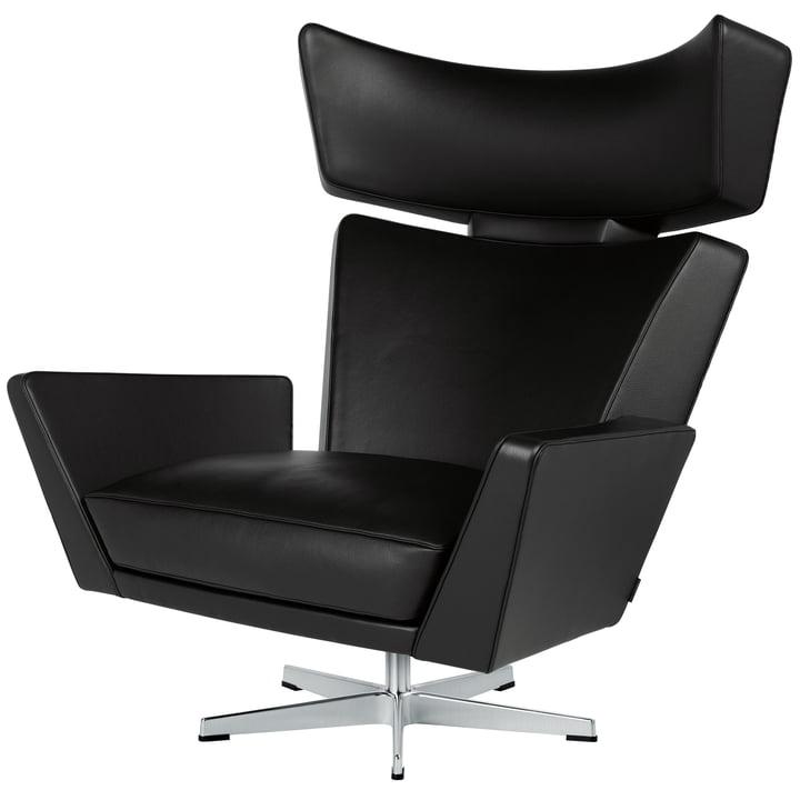 Der Fritz Hansen - Oksen Sessel in Classic Leder schwarz / Untergestell gebürstet