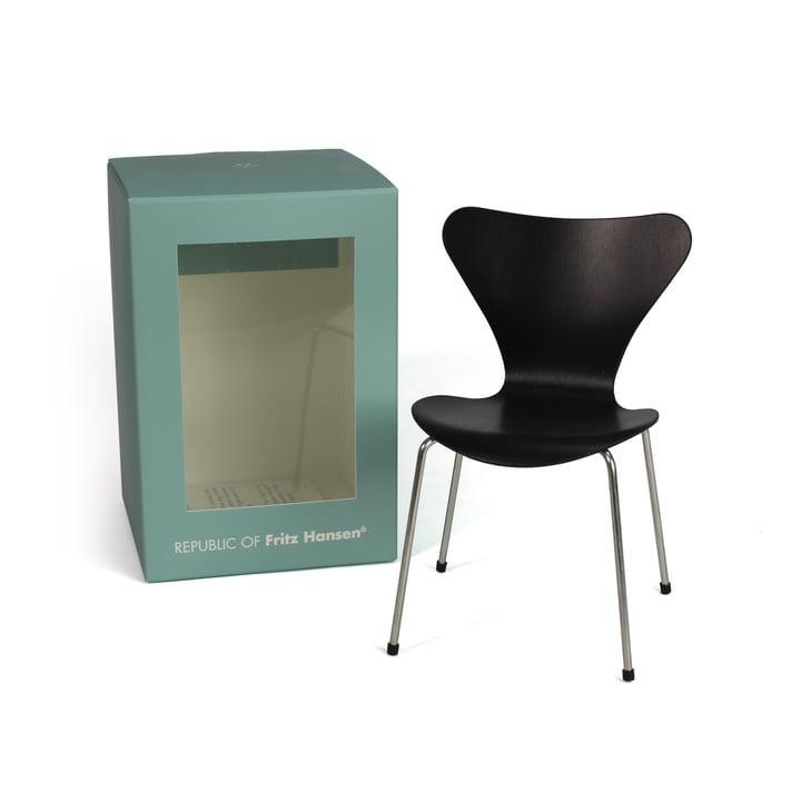 Miniatur Serie 7 Stuhl von Fritz Hansen in Schwarz