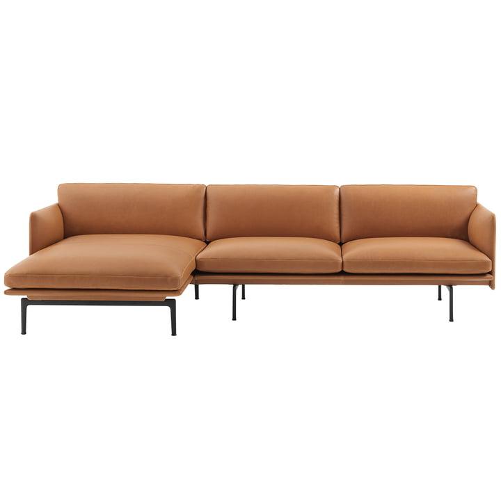 Muuto - Outline Sofa 3-Sitzer mit Chaise Longue links, cognac Silk Leather / verkehrsschwarz (RAL 9017) (EU)