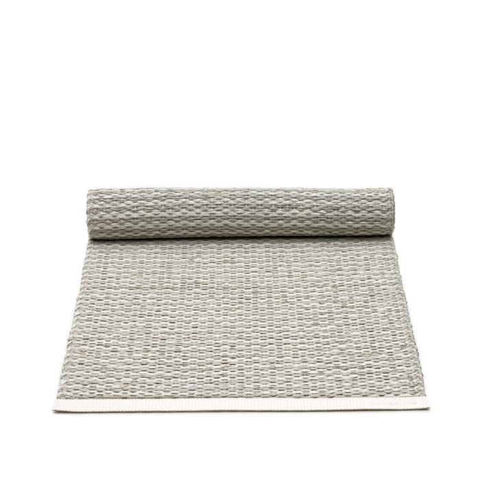 Mono Tischläufer von Pappelina in Fossil Grey / Warm Grey