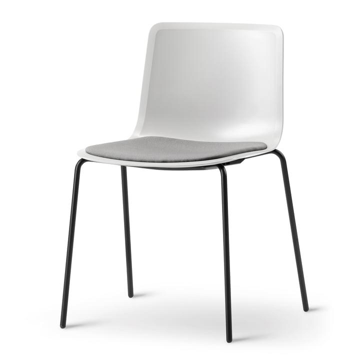 Pato (Vierbein-Untergestell) von Fredericia in weiß / schwarz matt / Sitzpolster: grau (Remix 143)