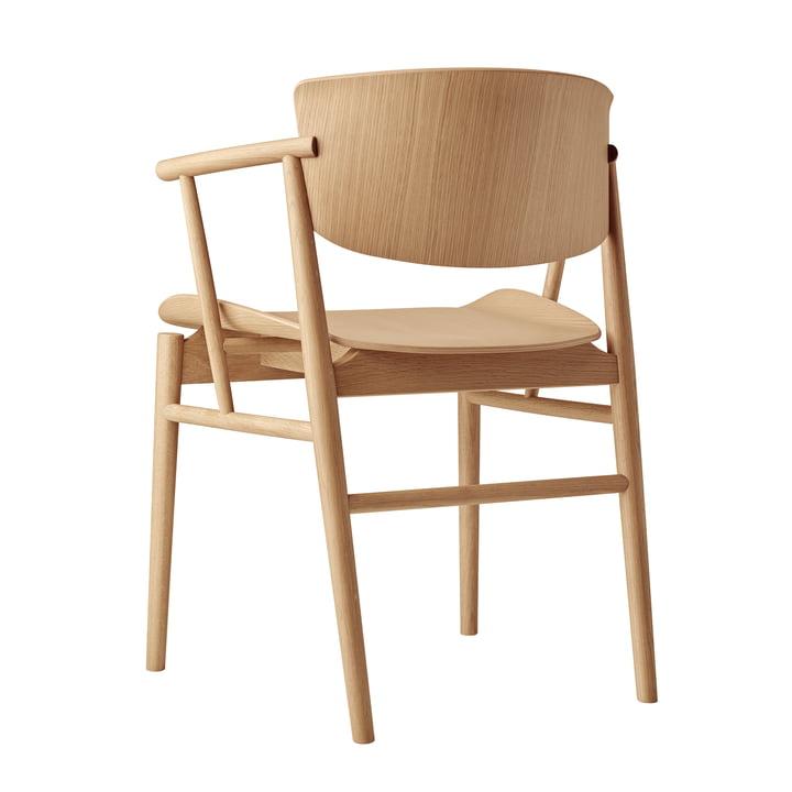 Der Fritz Hansen - N01 Armlehnstuhl in Eiche in der Rückansicht