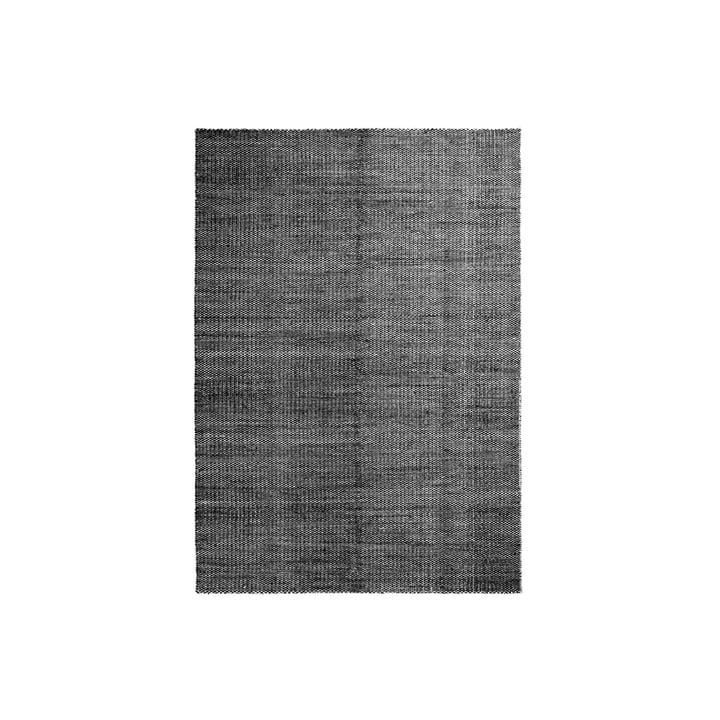 Moiré Kelim Teppich 140 x 200 cm von Hay in Schwarz
