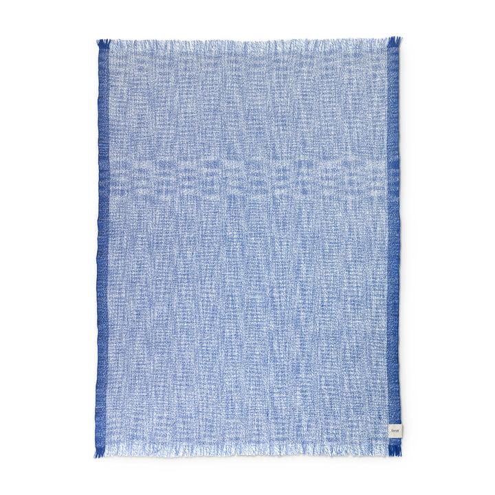 ferm Living - Enfold Decke, 135 x 170 cm, blau / weiß