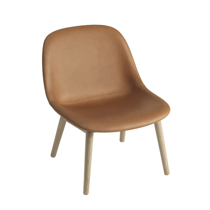 Fiber Lounge Chair Wood Base von Muuto in Eiche / Silk Leder Cognac
