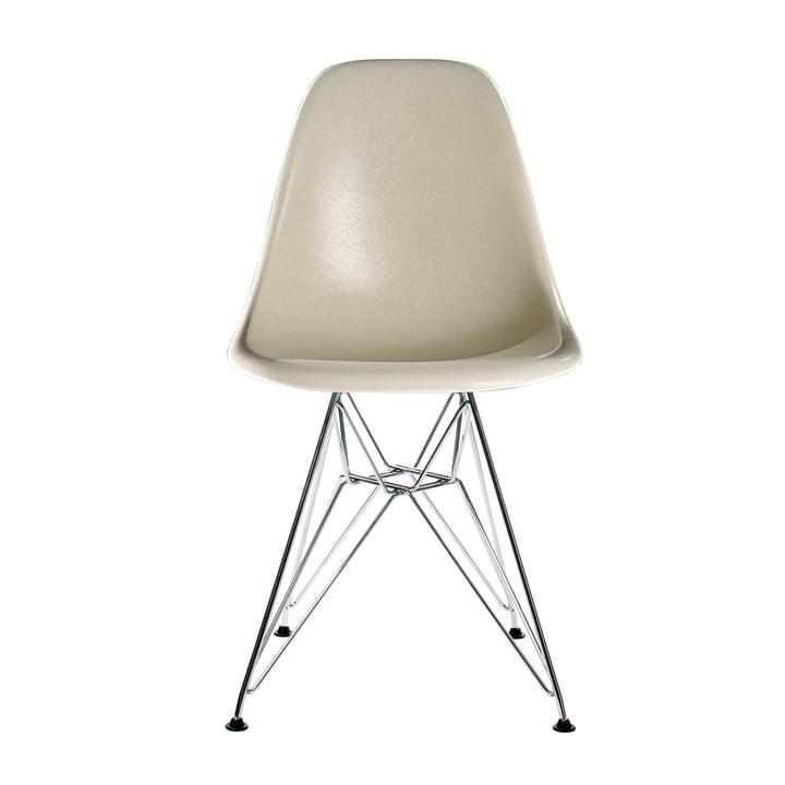 Eames Fiberglass Side Chair DSR von Vitra in verchromt / Eames parchment