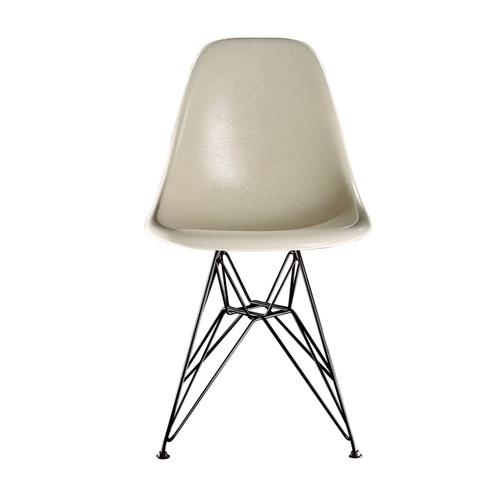 Eames Fiberglass Side Chair DSR von Vitra - basic dark / Eames parchment