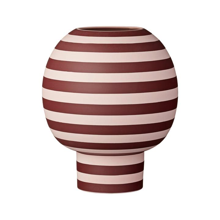 Varia Sculptural Vase, Ø 18 x H 21 cm in rose / bordeaux von AYTM