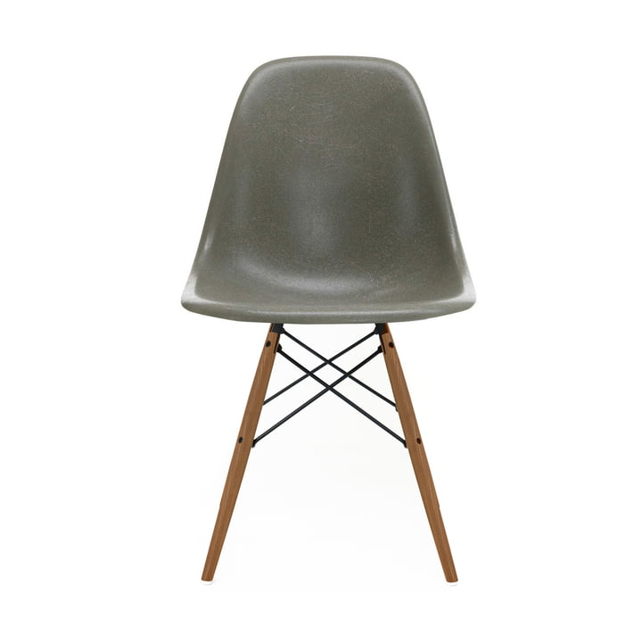 Eames Fiberglass Side Chair DSW von Vitra in Esche honigfarben / Eames raw umber