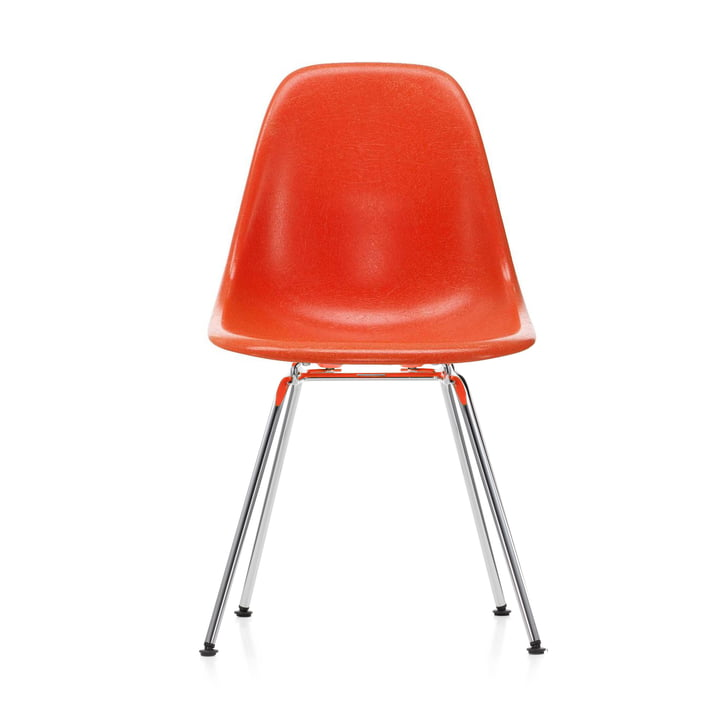 Eames Fiberglass Side Chair DSX von Vitra in verchromt / Eames red orange