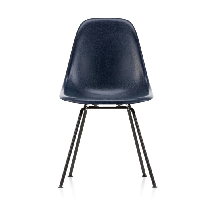 Eames Fiberglass Side Chair DSX von Vitra in basic dark / Eames navy blue