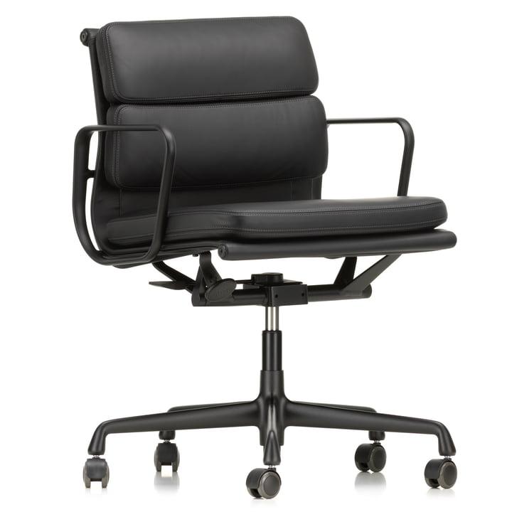 EA 217 Soft Pad Bürostuhl beschichtet tiefschwarz mit Armlehnen, drehbar von Vitra in Leder Premium nero (Hartbodenrollen)