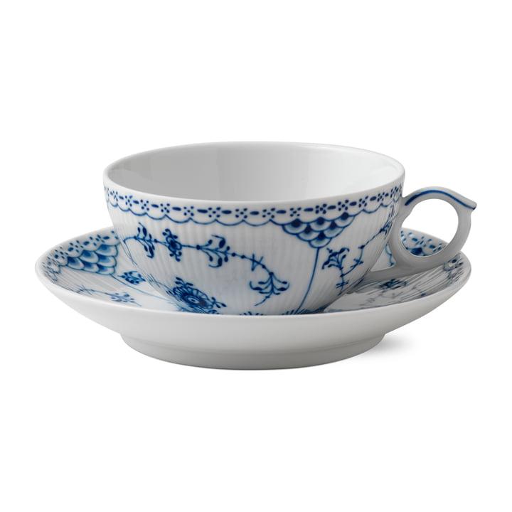 Musselmalet Halbspitze Tasse mit Untertasse 20 cl in weiß / blau von Royal Copenhagen