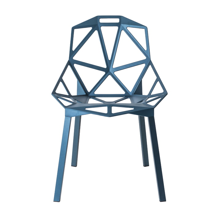 Chair One Stapelstuhl von Magis in blau