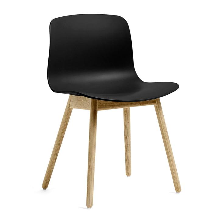 About A Chair AAC 12 von Hay in Eiche matt lackiert / schwarz