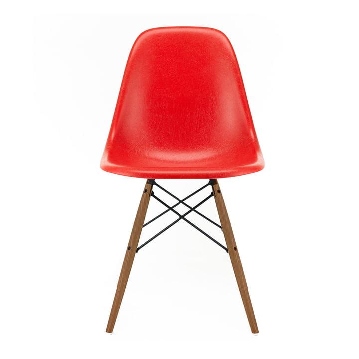 Eames Fiberglass Side Chair DSW von Vitra in Esche honigfarben / Eames classic red