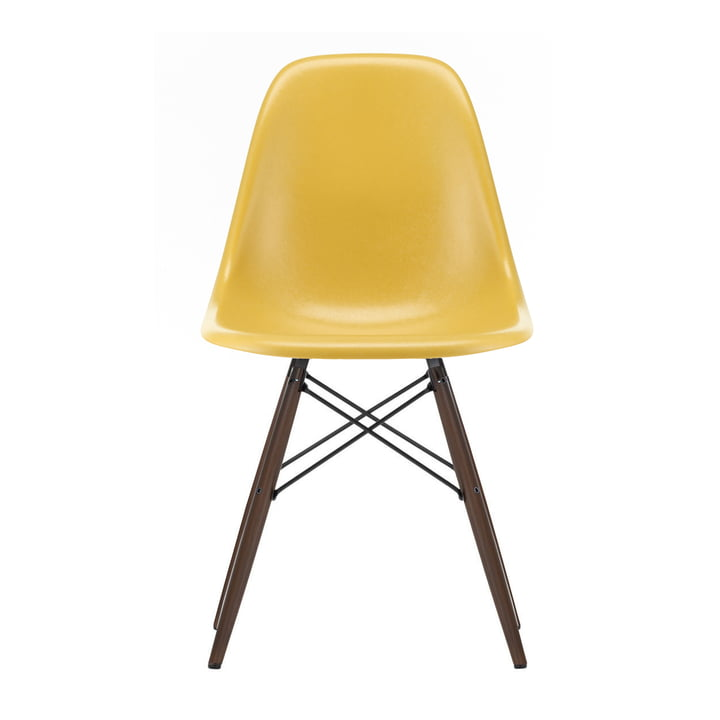 Eames Fiberglass Side Chair DSW von Vitra in Ahorn dunkel / Eames ochre light
