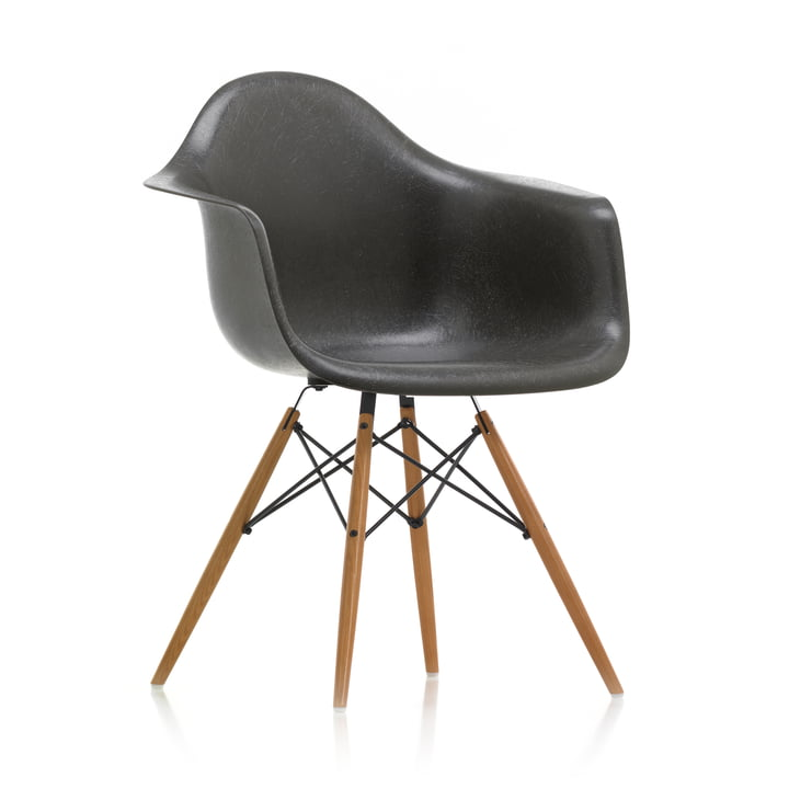 Eames Fiberglass Armchair DAW von Vitra in Esche honigfarben / Eames elephant hide grey