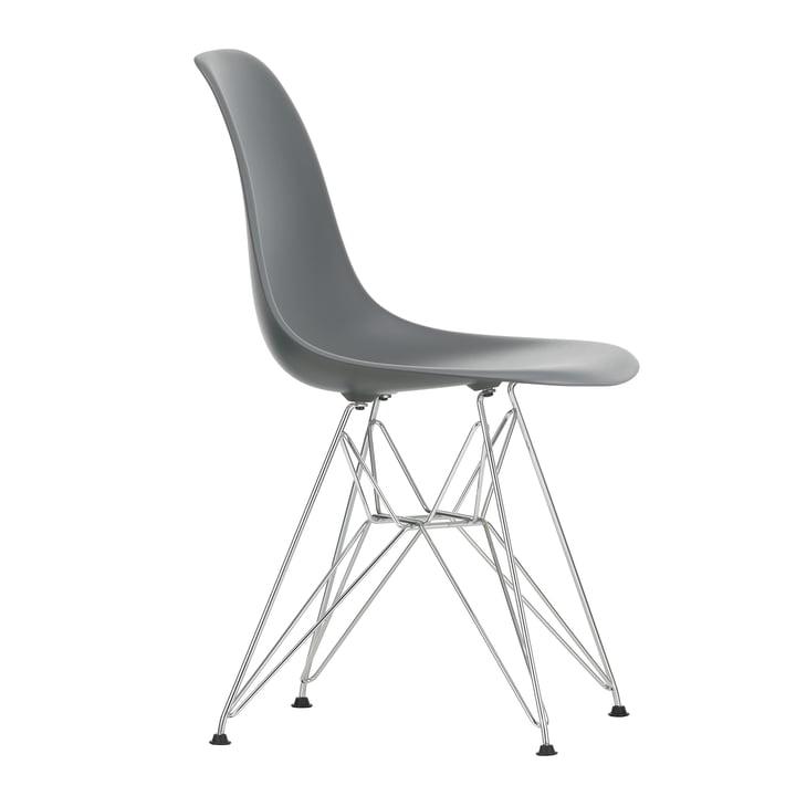 Eames Plastic Side Chair DSR von Vitra in verchromt / granitgrau