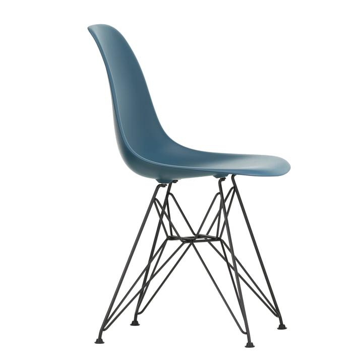 Eames Plastic Side Chair DSR von Vitra in basic dark / meerblau