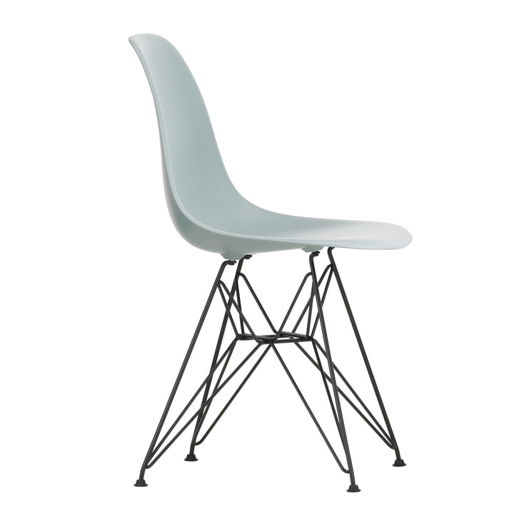 Eames Plastic Side Chair DSR von Vitra in basic dark / hellgrau