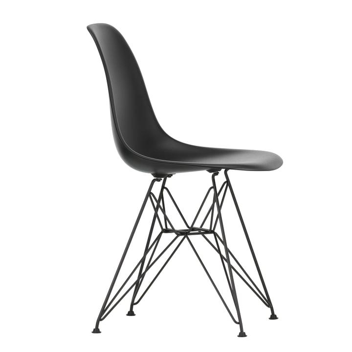 Eames Plastic Side Chair DSR von Vitra in basic dark / tiefschwarz