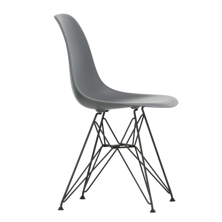 Eames Plastic Side Chair DSR von Vitra in basic dark / granitgrau