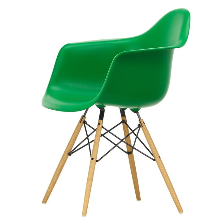 Eames Plastic Armchair DAW von Vitra in Ahorn gelblich / grün