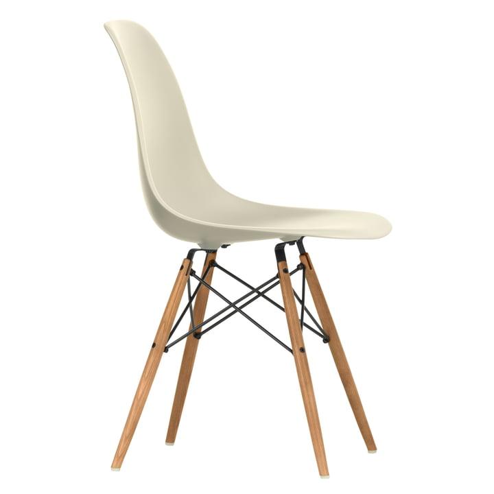 Eames Plastic Side Chair DSW von Vitra in Esche honigfarben / hellgrau