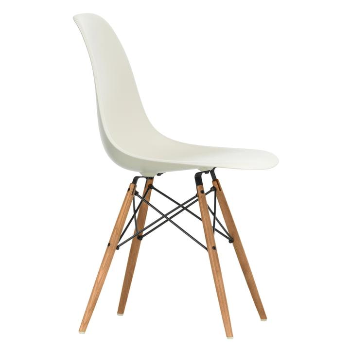 Eames Plastic Side Chair DSW von Vitra in Esche honigfarben / kieselstein
