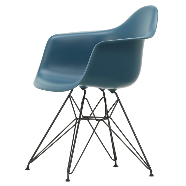 Eames Plastic Armchair DAR von Vitra in basic dark / meerblau
