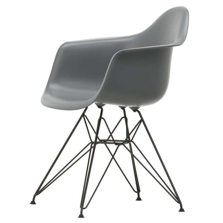 Eames Plastic Armchair DAR von Vitra in basic dark / granitgrau