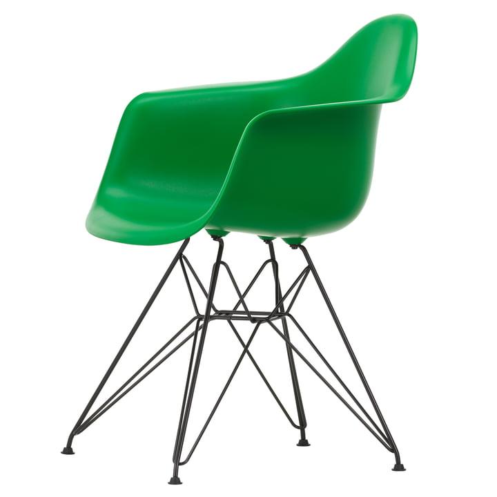 Eames Plastic Armchair DAR von Vitra in basic dark / grün