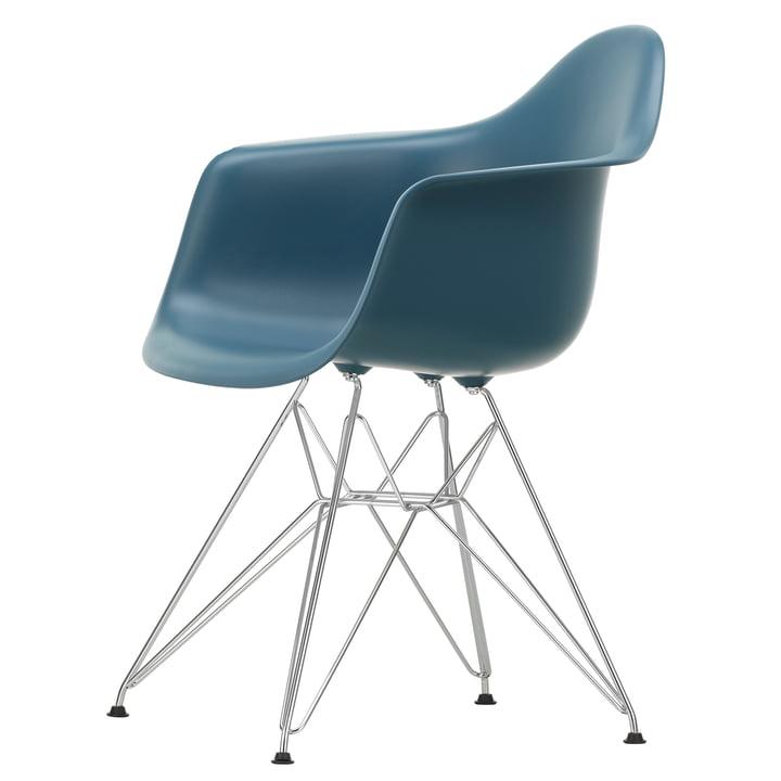 Eames Plastic Armchair DAR von Vitra in verchromt / meerblau